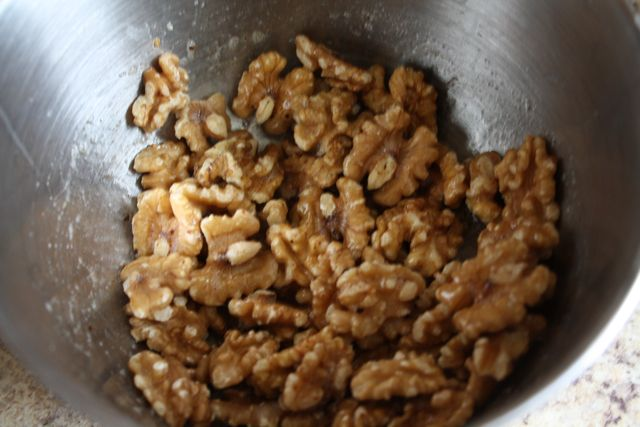 The Perfect Snack: Cajun Spiced Walnuts- Momwhoruns