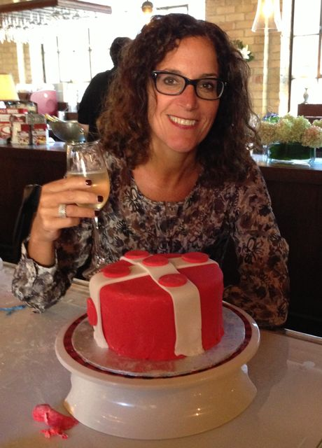 A well deserved glass of champagne to celebrate my first cake decorating class!